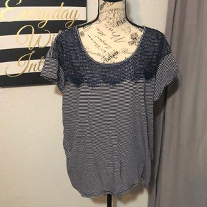 Like new XL Sonoma navy and white tee shirt